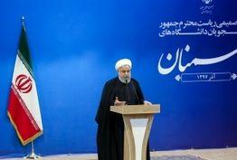 مسئولان نماینده واقعیت امروز جامعه و دانشجویان نماینده آینده مطلوب تر و ایران آزادتر و آبادتر هستند