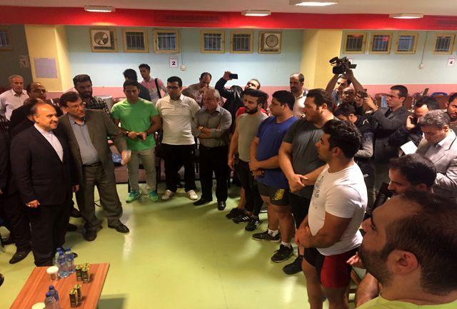 سومین حضور دکتر سلطانیفر در محل تمرین تیم ملی وزنه برداری در یکسال اخیر