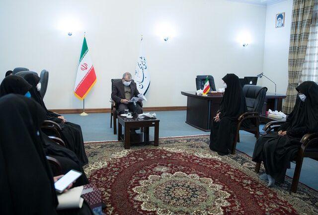 جمعی از دانشجویان دختر بسیجی دانشگاههای تهران با کدخدایی دیدار کردند
