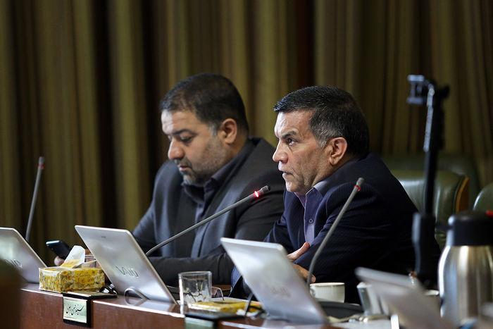 شهرداری باید به اجرای مصوبات شورا در تامین مالی توسعه مترو توجه کند