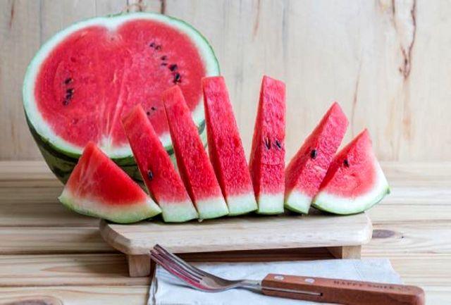 با تخمه این میوه تابستانی استخوانهایتان را محکم کنید