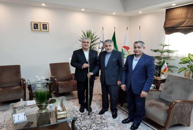نخستین چوب اسنوکر پدر اسنوکر ایران به موزه ملی ورزش اهدا شد