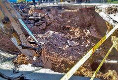 خسارت به شبکه آب شهری در حادثه خیابان امامزاده ابراهیم / تذکرات لازم به پیمانکار مترو داده شده بود