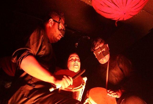«چکامه های که حباب می شوند» روی صحنه تئاتر شهر