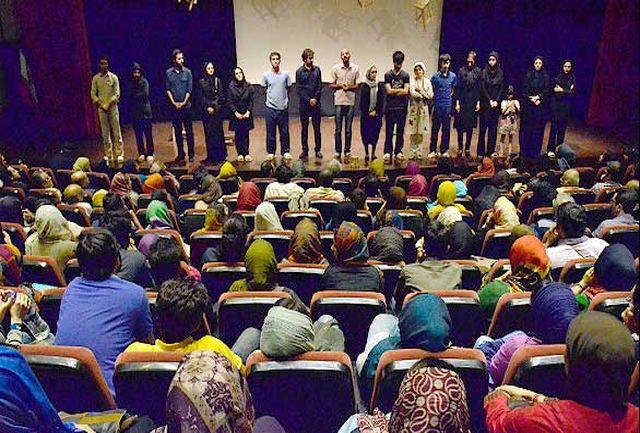 سنگ تمام ارشاد کرج برای تئاتر/ جلوی کوچ هنرمندان به تهران را می گیرم