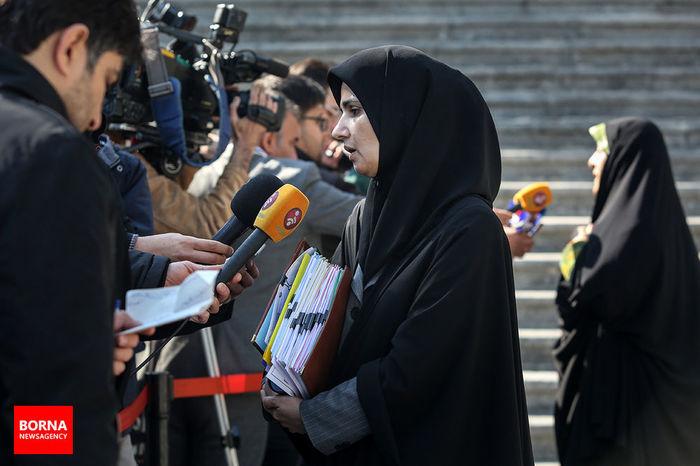 ورود خانمها به استادیوم هیچ منع قانونی ندارد