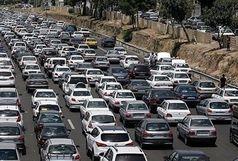 ترافیک در محورهای مواصلاتی به پایتخت سنگین است