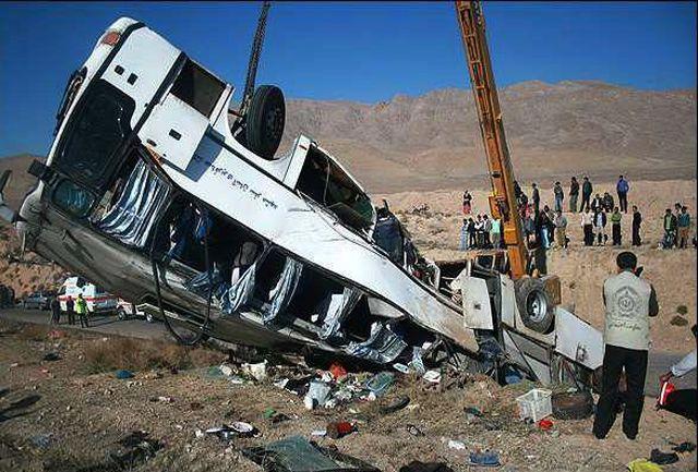 واژگونی یک دستگاه  اتوبوس در اتوبان رشت _ قزوین