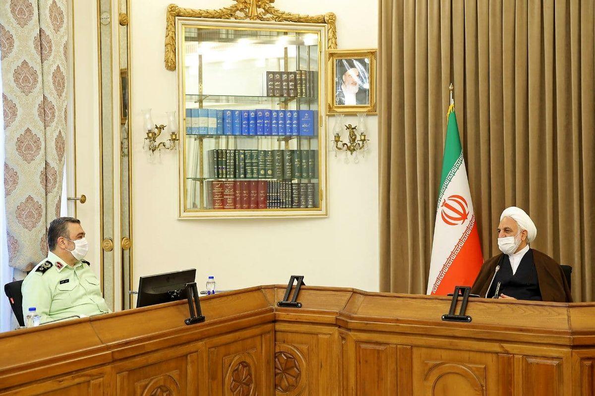 فرمانده نیروی انتظامی با رئیس قوه قضائیه دیدار کرد