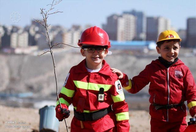 اجرای طرح «هر شهروند، یک آتشنشان یار» در مدارس تبریز