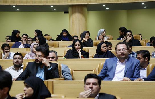 در حاشیه دیدار صمیمی ریاست جمهوری با جمعی از دانشجویان و جوانان