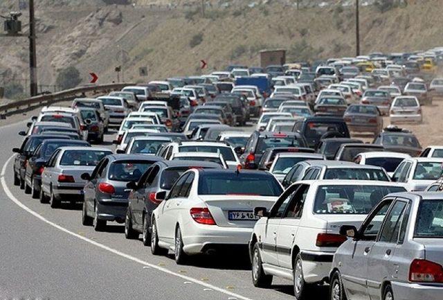 ترافیک سنگین در جاده چالوس/ تردد روان در محورهای هراز و فیروزکوه