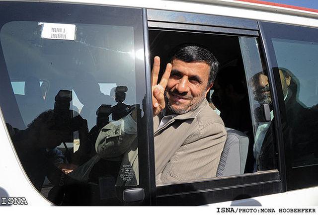 محمود احمدینژاد در «عصر جدید» احسان علیخانی