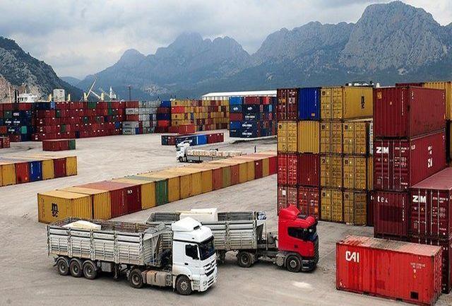 گمرک ایران توقف صادرات کالاهای ایرانی به افغانستان را تکذیب کرد