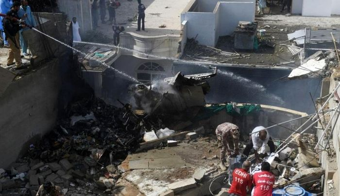 ردّ پای کرونا در سقوط هواپیمای مسافری پاکستان!