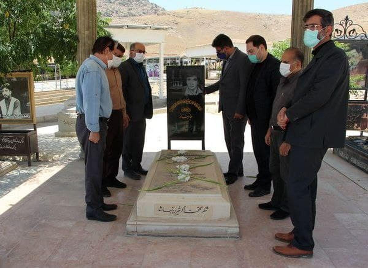 """ادای احترام به زنده یاد """"رضا سقایی """"خواننده شهیر لرستان"""