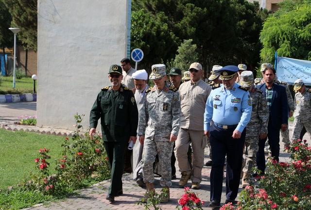 سرلشکر باقری از محصولات وزارت دفاع در مشهد بازدید کرد