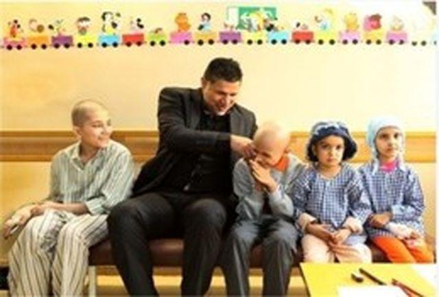 دیدار دایی با کودکان مبتلا به سرطان