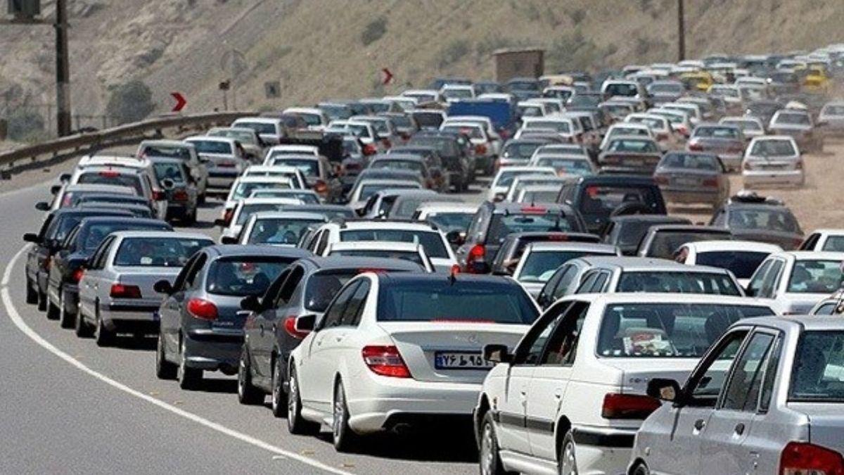 افزایش تردد در جادههای کشور/ترافیک سنگین در آزادراه قزوین-کرج-تهران