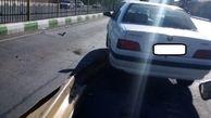 برخورد شدید سواری  پژو  با گاردریل های میدان بهمن
