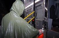 اتوبوسهای شهری بهصورت مستمر ضدعفونی میشوند/ارائه ماسک ارزان قیمت به مسافران