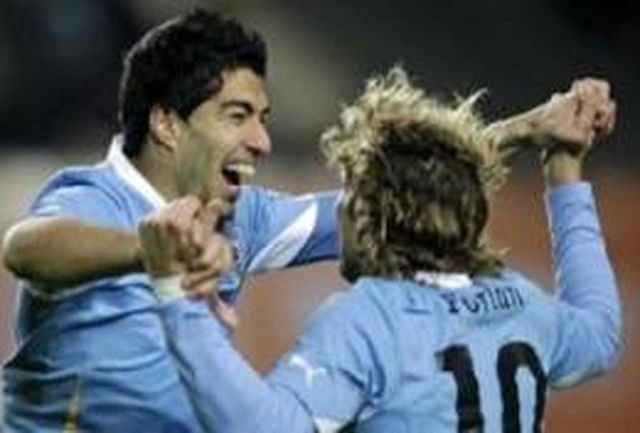 اروگوئه به فینال رسید/2 گل سوارز پرو را از پای درآورد