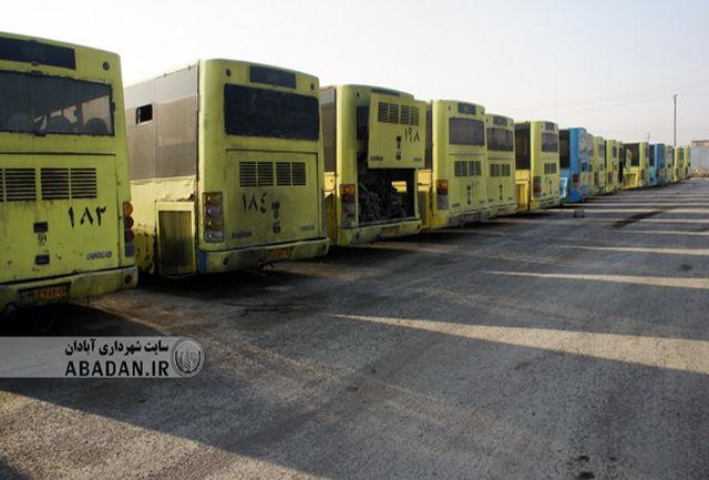 به دلیل بدهی قبلی حساب سازمان اتوبوسرانی مسدود است/برای پرداخت حقوق کارکنان تامین گازوئیل و خرید قطعات با مشکل مواجه هستیم