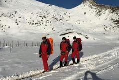 نجات گردشگران از برف و سرما در تالش