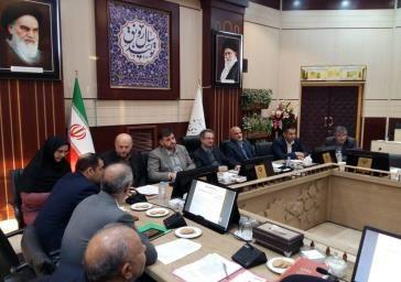 بازنگری قانون محدودیت استقرار صنایع در شعاع 120 کیلومتری پیگیری میشود