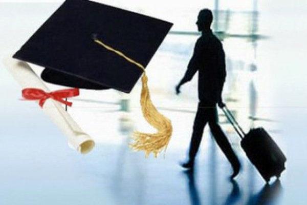 سازمان امور دانشجویان قادر به تامین بودجه فرصتهای مطالعاتی نیست/ ویزاها باطل، هزینه بلیتها پوچ و فرصتها از دست میرود