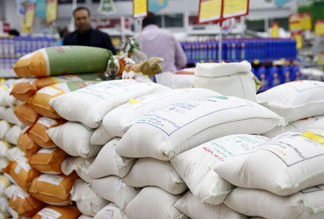 ترخیص ۲۵ هزار تن برنج از گمرکات
