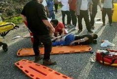 یک نفر کشته در تصادف اتوبوس با تریلی در جاده اصفهان ـ کاشان