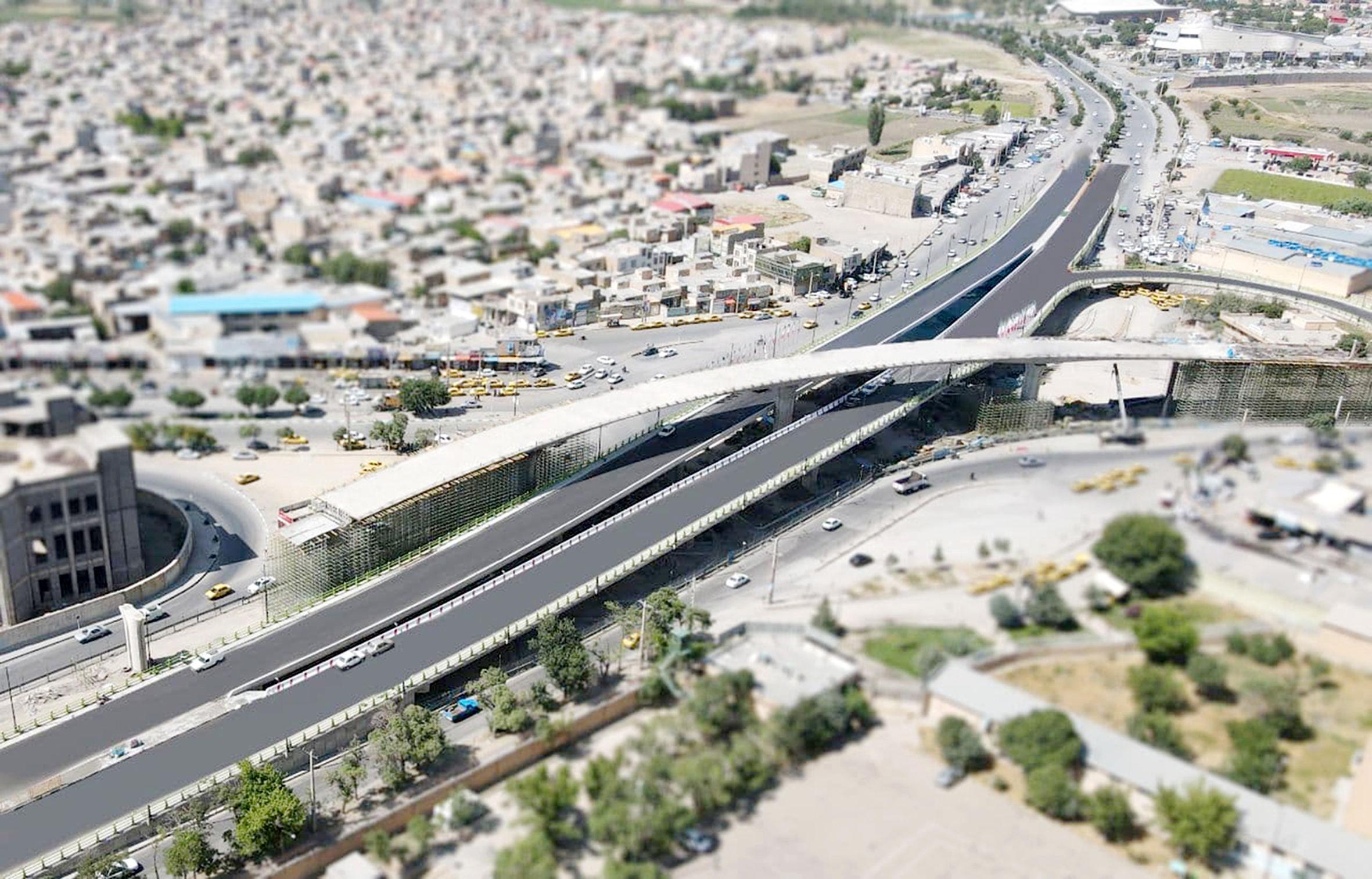 تصویر از افتتاح پل شهید همدانی همزمان با آغاز تابستان