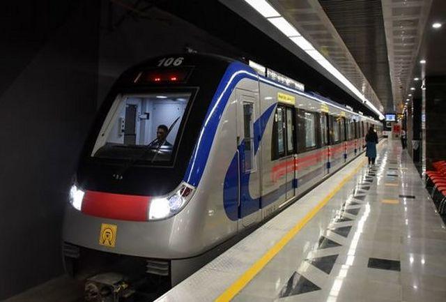 خدمات دهی مترو به بازدیدکنندگان نمایشگاه خودرو