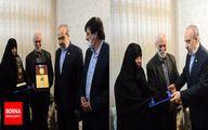 دیدار وزیر ورزش با خانوده شهید زمانی نیا محافظ شهید سپهبد سلیمانی