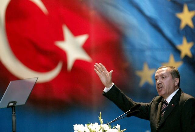 ترکیه یونان را تهدید کرد/ احتمال وقوع جنگ میان ترکیه و یونان