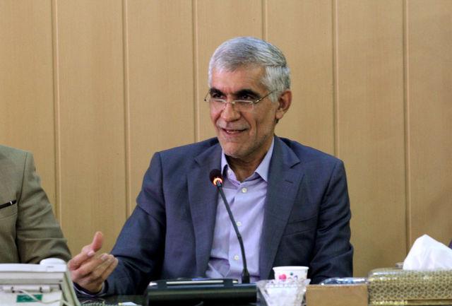 بزرگراه شیراز – اهواز یکی از مهم ترین محورهای ترانزیتی استان می باشد