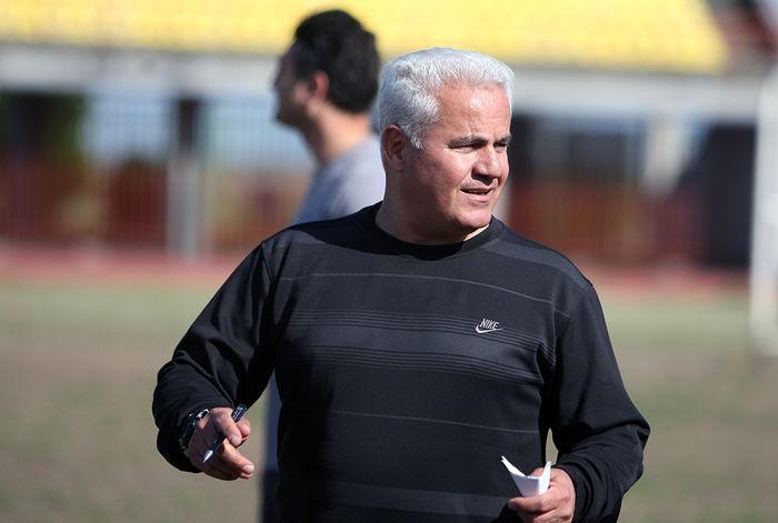 پیوس: آدمهای با نفوذ میخواهیم که حق فوتبال ایران را بگیرند