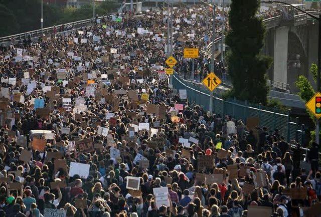 «انداز جهان» ادامه تظاهرات ضد نژاد پرستی آمریکا را دنبال می کند