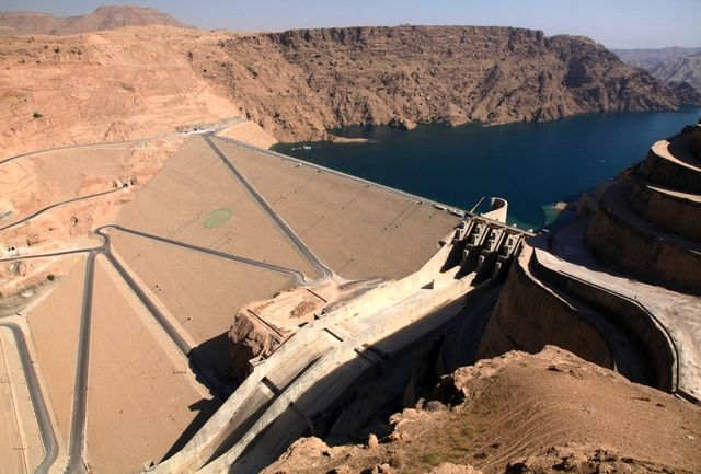کاهش عمدی خروجی آب از سد گتوند واقعیت ندارد