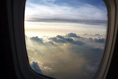 چرا پنجره های هواپیما بیضی شکل هستند؟