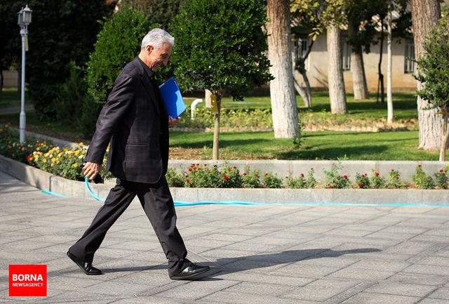 طرح استیضاح وزیر علوم تقدیم هیات رییسه مجلس شد/ تعداد امضاها در حال افزایش است