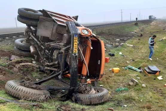 تصادف وحشتناک کامیون با قطار