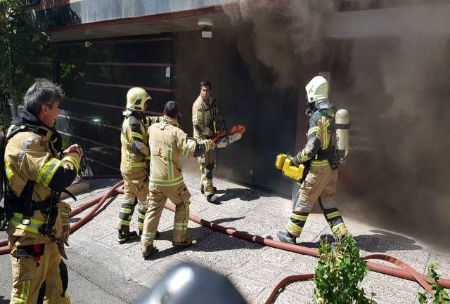 اولین تصاویر از آتش سوزی سعادت آباد تهران+فیلم