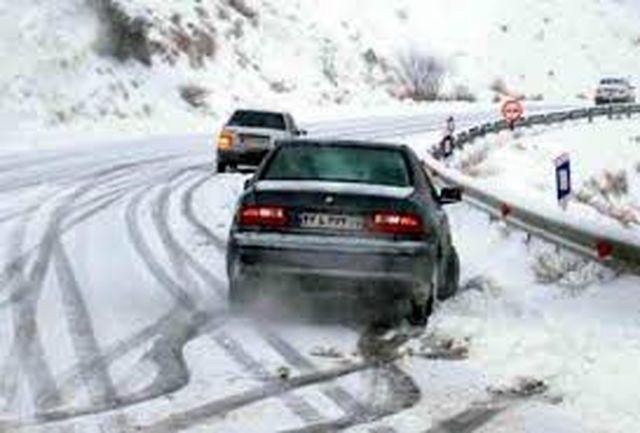 ۲۰۰ مسافر در برف و کولاک گردنه الماس امداد رسانی شد
