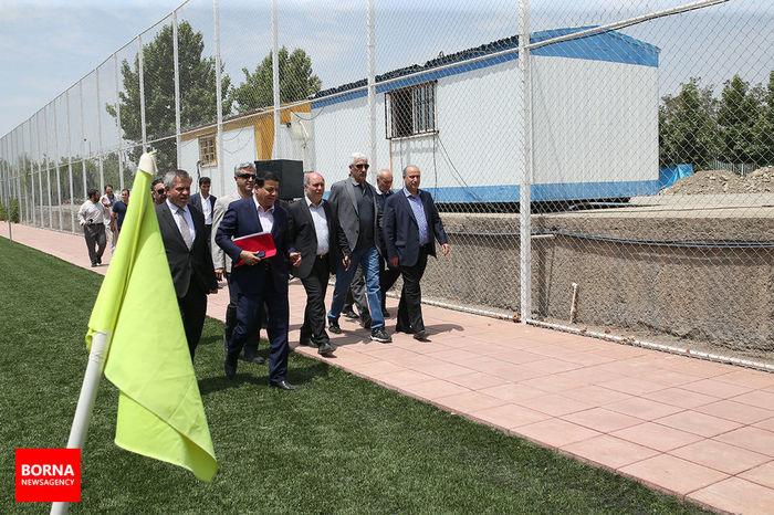 بازدید وزیر جوانان و ورزش عراق از امکانات فوتبال ایران/ ببینید