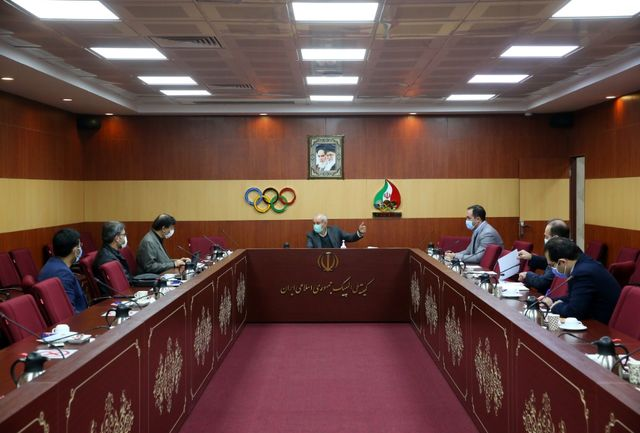 نشست تخصصی ستاد بازیهای 2020 با مسئولین فدراسیونهای وزنهبرداری و قایقرانی برگزار شد