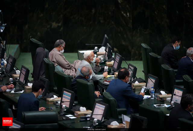 یک نفتکش ایرانی در اندونزی توقیف شد/ مجلس لایحه بودجه را رد کرد، دولت تشکر کرد!