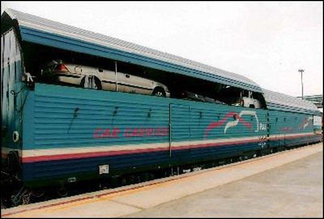حمل خودرو زائران از قم به مشهد توسط قطار