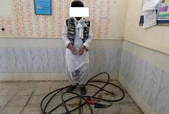 دستگیری سارق حرفهای روی تیر برق